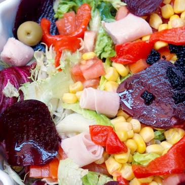 Ensalada multicolor con vinagreta