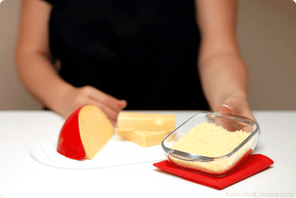 Rallar queso con Thermomix