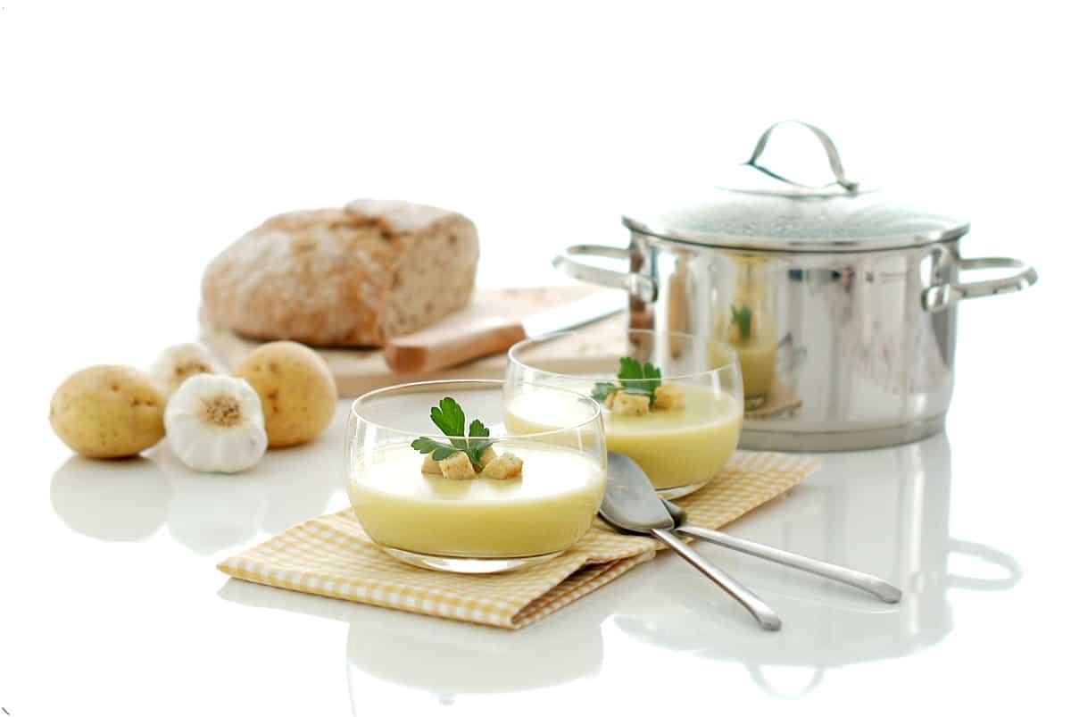 Crema de ajo, puerro y patata con Thermomix ®