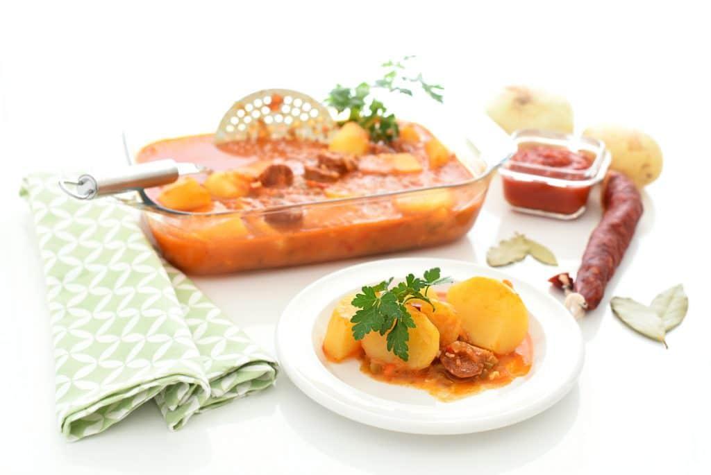 Patatas guisadas con chorizo en Thermomix®