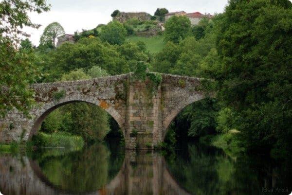 Este es el maravilloso puente medieval de Allariz