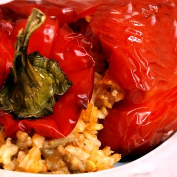 Pimientos rellenos de arroz y carne picada