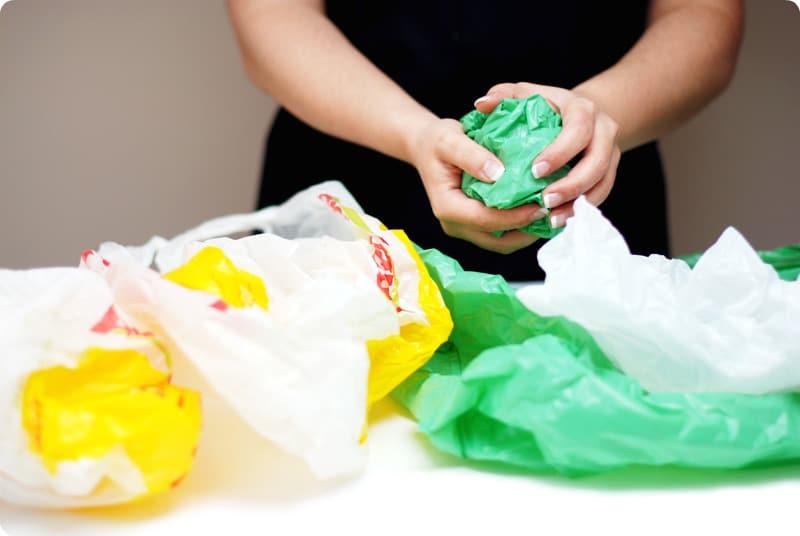 Reutiliza tus bolsas de plástico