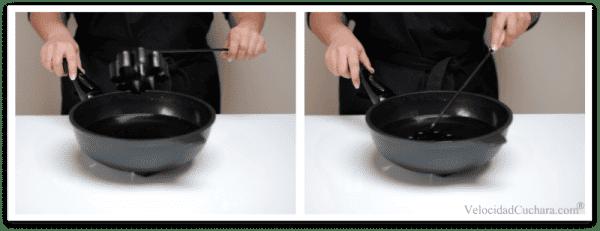 Usa una sartén con aceite bien caliente para freir las Flores