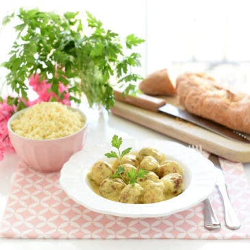 Albóndigas caseras al curry con cuscús