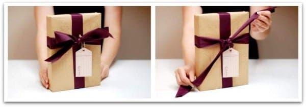 Abriendo mi regalo perfectamente empaquetado