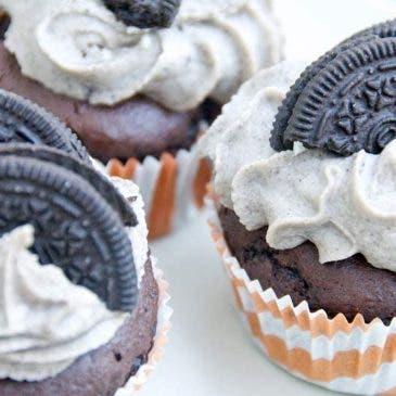 Cupcakes de chocolate y Oreo