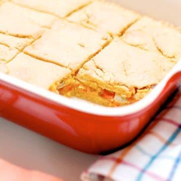 """Empanada de maíz o """"millo"""" con berberechos"""