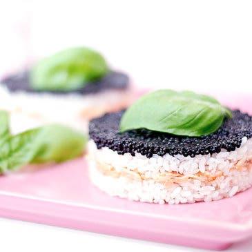 Pastel de arroz y salmón ahumado