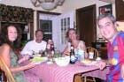 Anna y Xavi con sus amigos en New Yersey