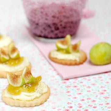 Galletas de mantequilla con higos y queso