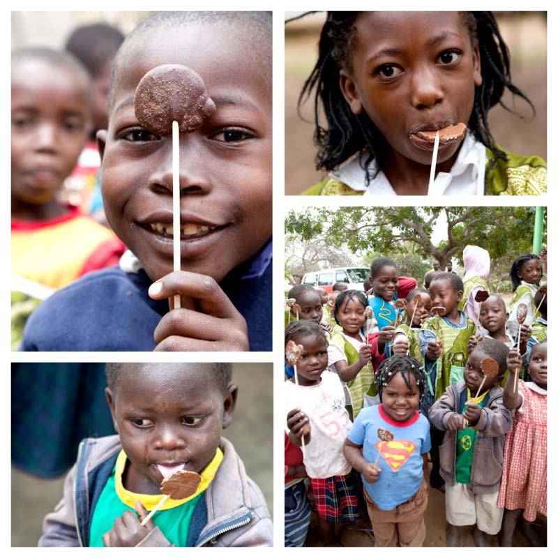 Los peques de Khanimambo disfrutando de sus piruletas de chocolate Thermomix
