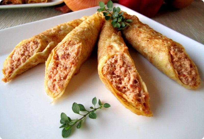 Filloas rellenas de carne de cocido by PiquiCes