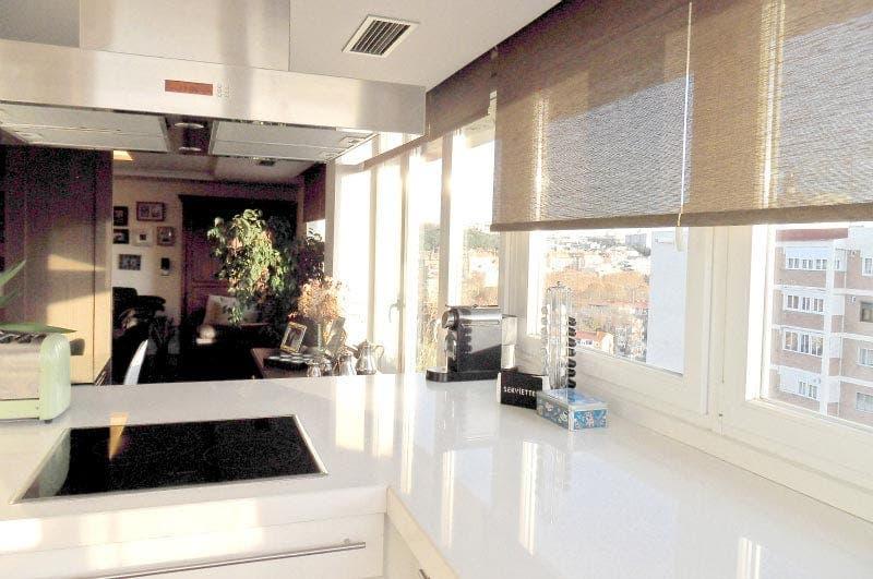 Cocina con vistas al salón