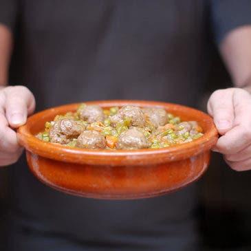 Albóndigas de carne en salsa estilo tradicional