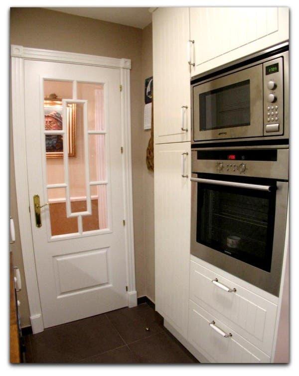 Asi queda la puerta de la cocina