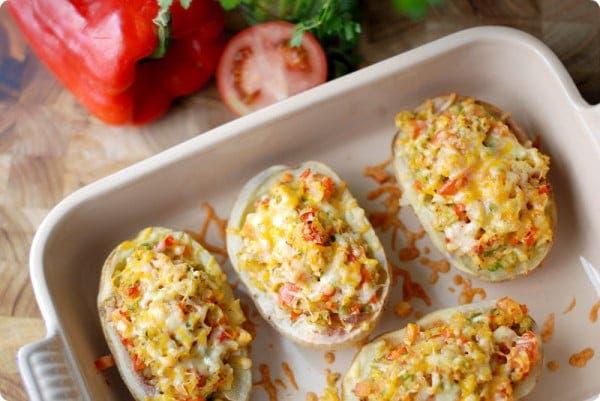 Patatas asadas rellenas de verduras