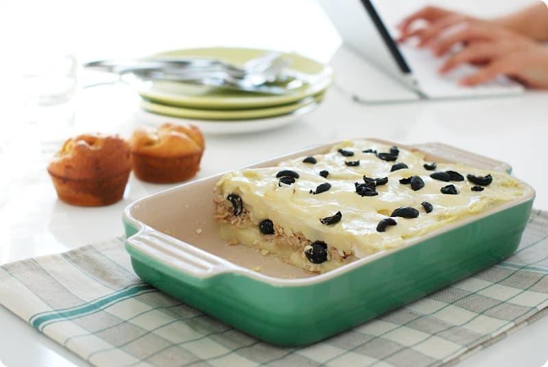 Pastel de puré de patata y atún con aceitunas