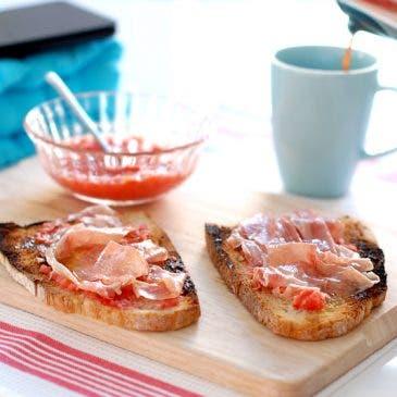 Pan tumaca o pan con tomate