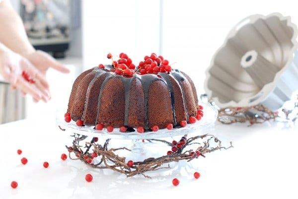 Bundt cake de chocolate con sirope de cacao
