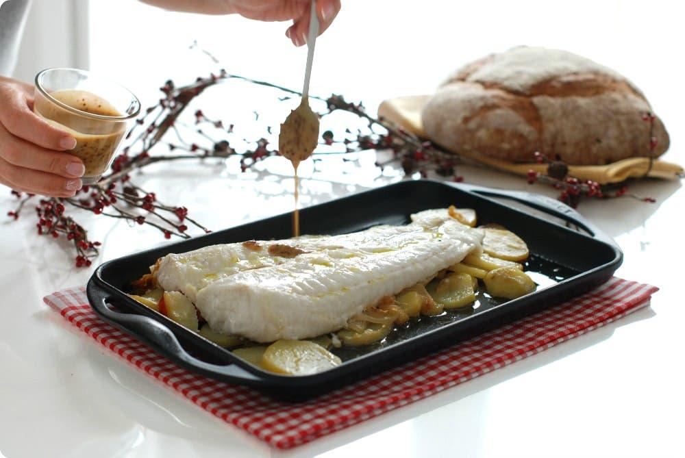 Merluza con patatas confitadas