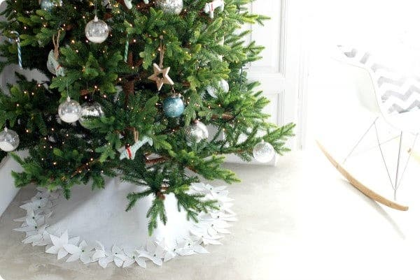 Alfombra de fieltro para el árbol navidad
