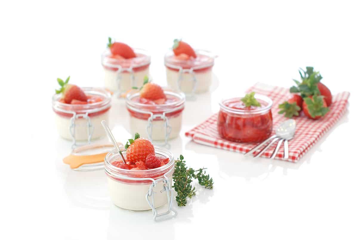 Panna cotta con salsa de frutos rojos, con Thermomix®
