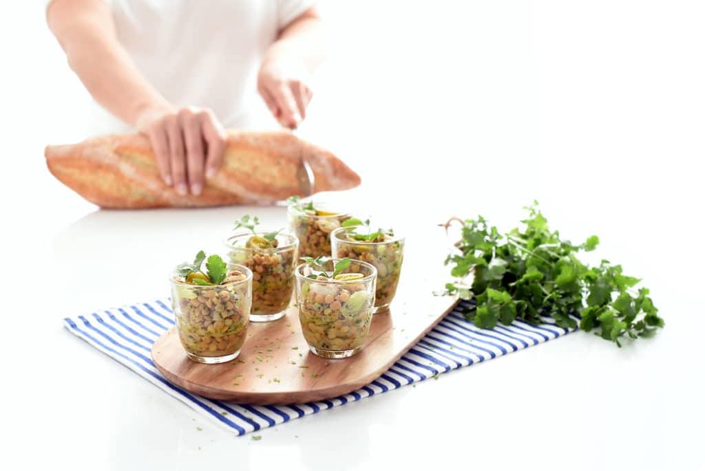 Ensalada de lentejas, gambas, kiwi y jalapeños en Thermomix®