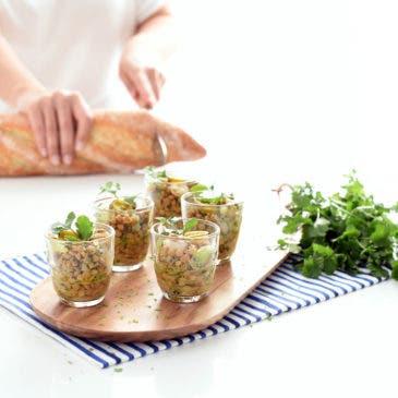 Ensalada templada de lentejas, gambas y kiwi