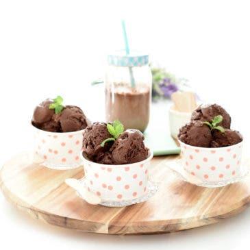 Helado de chocolate negro