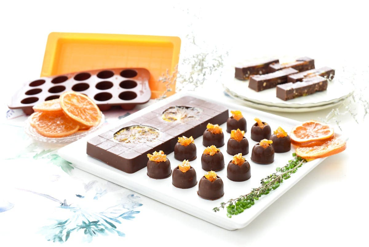 Turrón de chocolate con naranja confitada