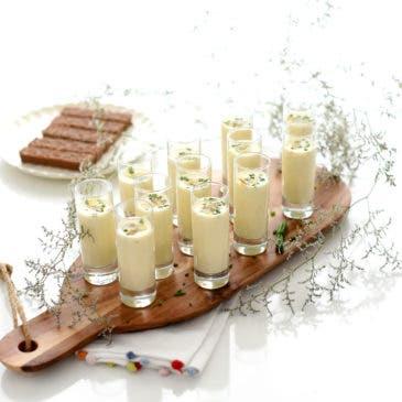 Crema tibia de espárragos con berberechos