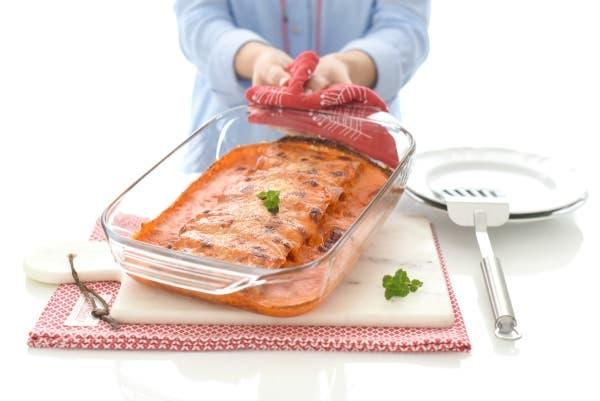 Canelones de pollo con salsa de piquillos en Thermomix®