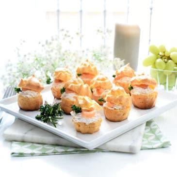 Profiteroles de salmón y queso