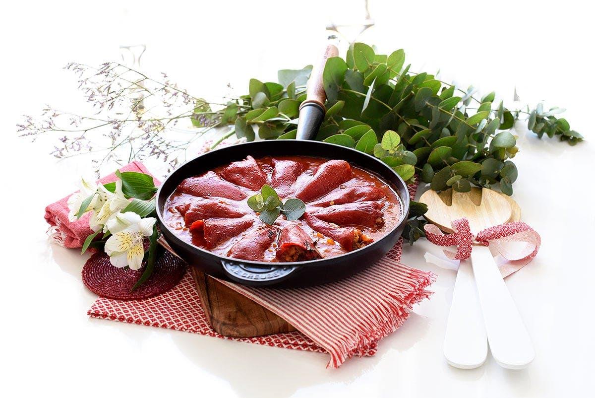 Pimientos del piquillo rellenos de carne y setas